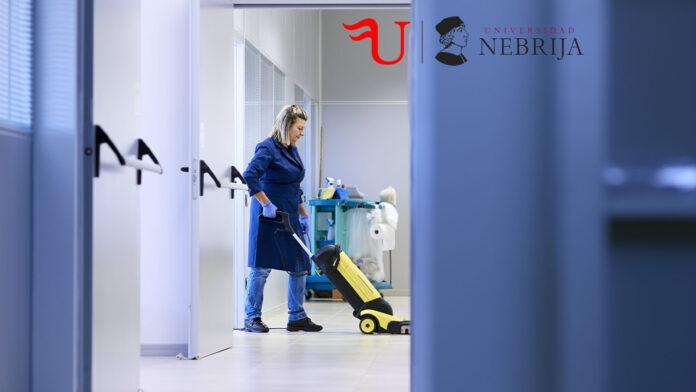 Diploma-Título de Formación Continua Limpieza de Superficies y Mobiliario en Edificios y Locales