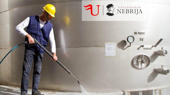 Título Propio de Formación Continua Limpieza en Espacios Abiertos e Instalaciones Industriales
